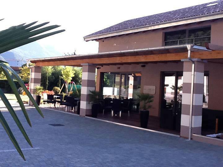 Progetto di Interior design di studio Numax - Lounge bar a Nuova Olonio (SO)
