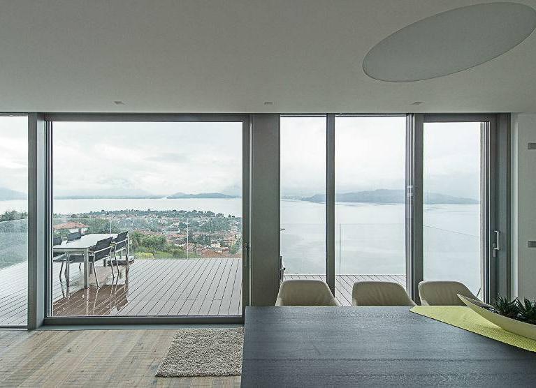 Villa privata a Dongo - vista panoramica dalla sala